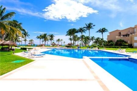 Upscale Beachfront Villas On The Riviera Maya